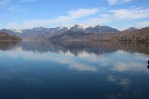 中禅寺湖畔から白根山