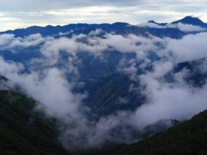 栃木百名山第45座半月山:八丁出島の紅葉と男体山を眺める絶好の場所