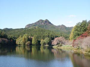 栃木百名山を楽しもう!:美しい逆さ古賀志山